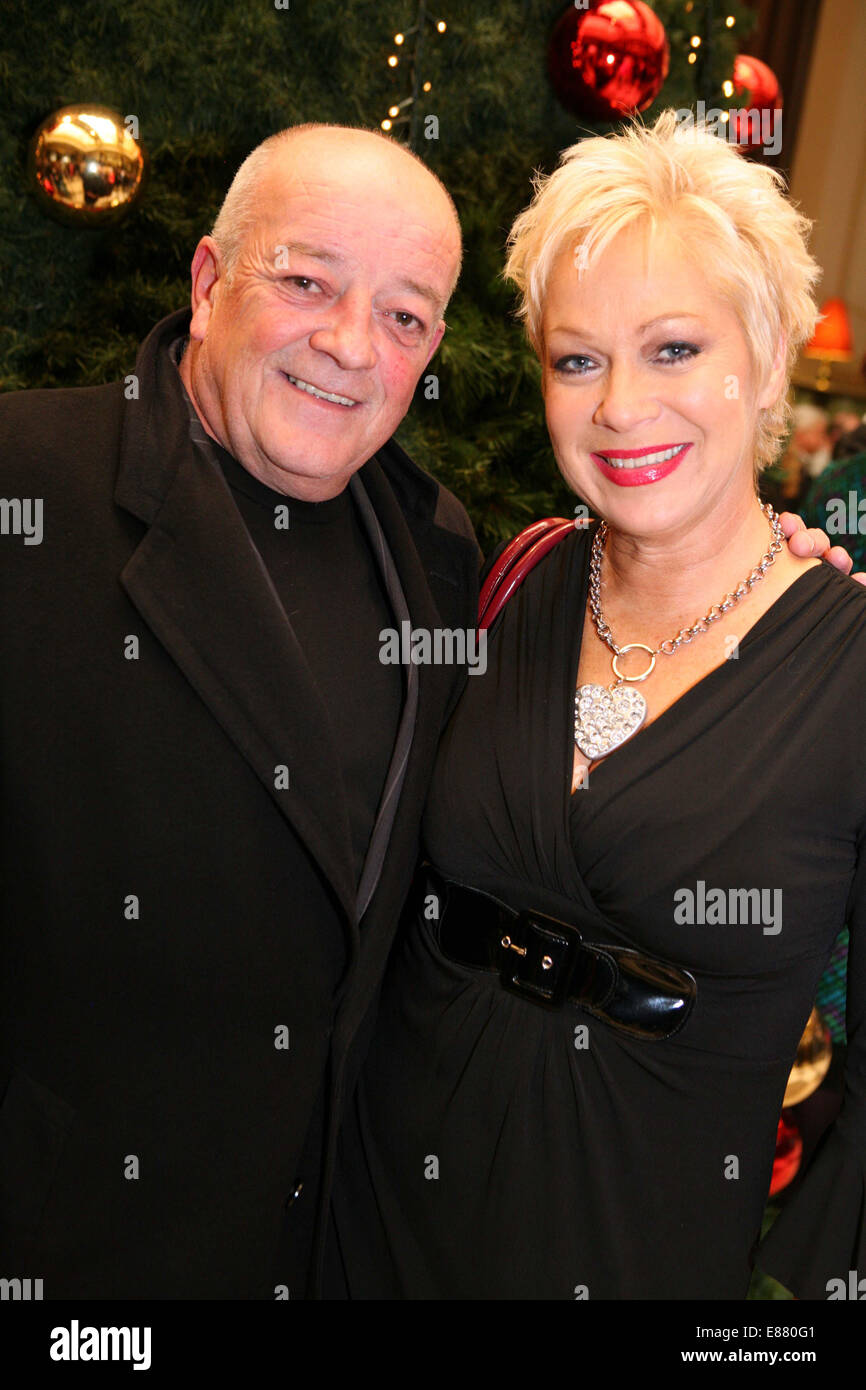 MEN Theatre Awards at the Midland Hotel.  Tim Healy and Denise Welch. Picture: Chris Bull - Stock Image