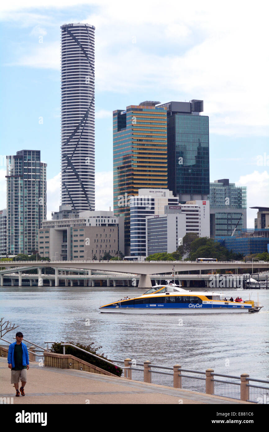 BRISBANE, AUS - SEP 25 2014:Visitor at the South Bank of Brisbane under the skyline of infinity Tower.The Infinity - Stock Image