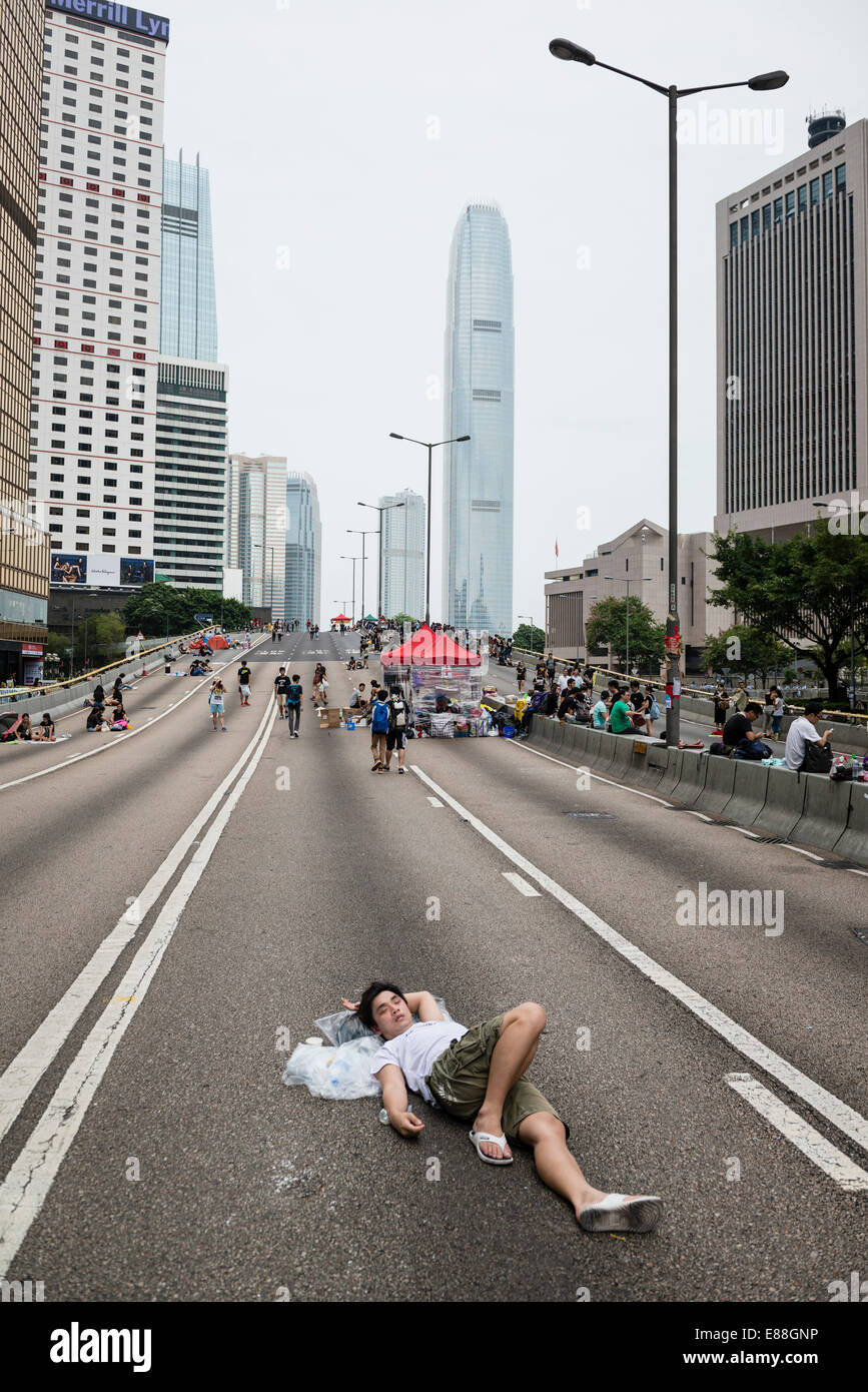 Hong Kong, China. 2nd October, 2014.   Students and other supporters of the Occupy Central movement congregating - Stock Image