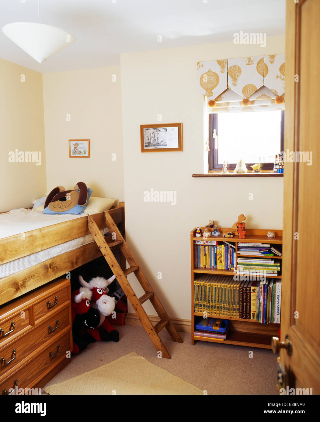 Small wooden ladder to platform bed with under-bed storage drawers in childu0027s bedroom with wooden shelving & Small wooden ladder to platform bed with under-bed storage drawers ...