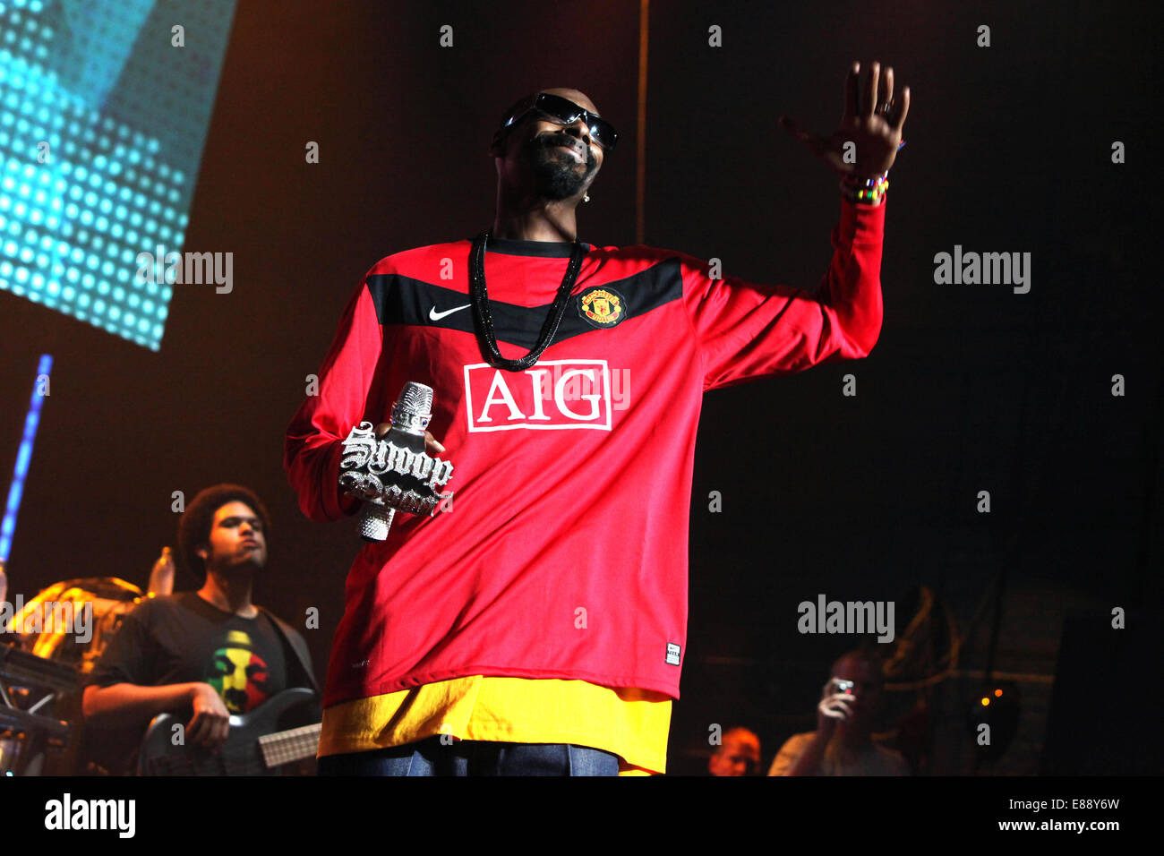 picture by Chris Bull Orange Rockcorps at Apollo theatre Manchester . Snoop Doggy Dog . PICTURE: CHRIS BULL   DATE: - Stock Image