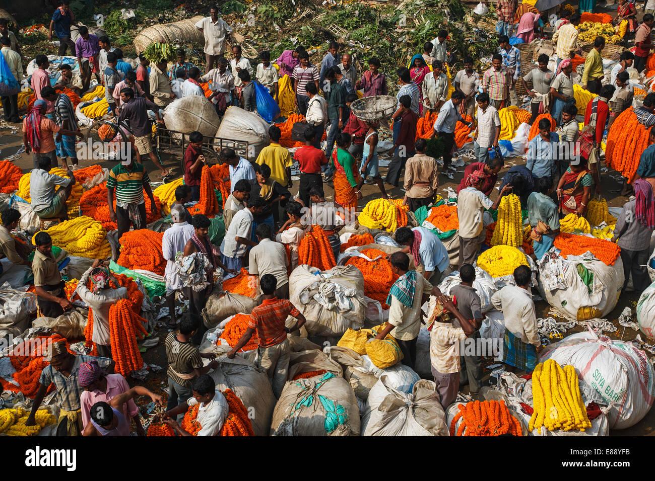 The famous flower market in Kolkata, India. - Stock Image