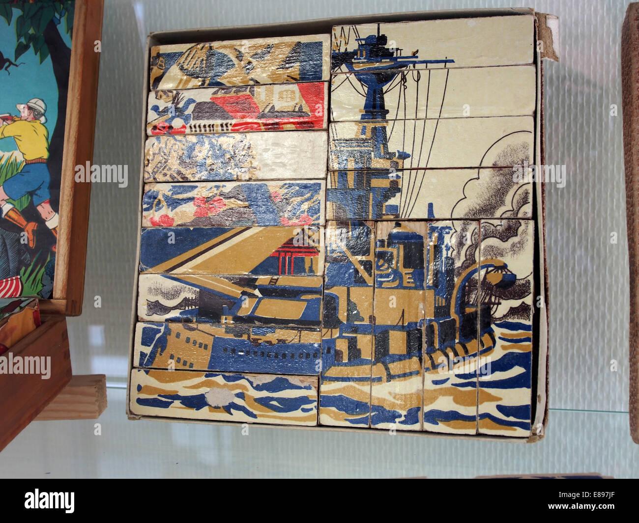 Old Puzzle of WWI war ship, MusC3A9e du jouet de Colmar - Stock Image