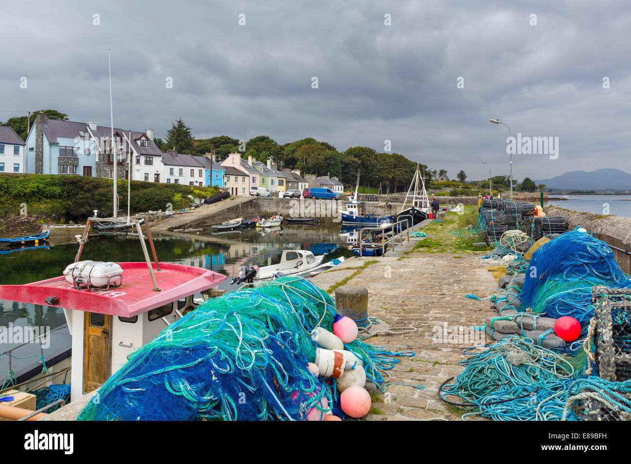 The picturesque harbour of Roundstone, Connemara, County Galway, Republic of Ireland Stock Photo