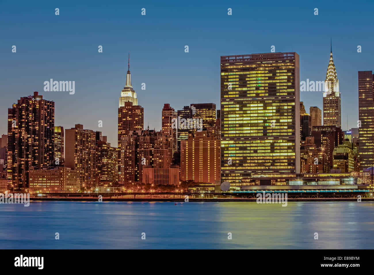 New York City Landmarks - Midtown Manhattan New York City skyline view of the Empire State Building, The United - Stock Image
