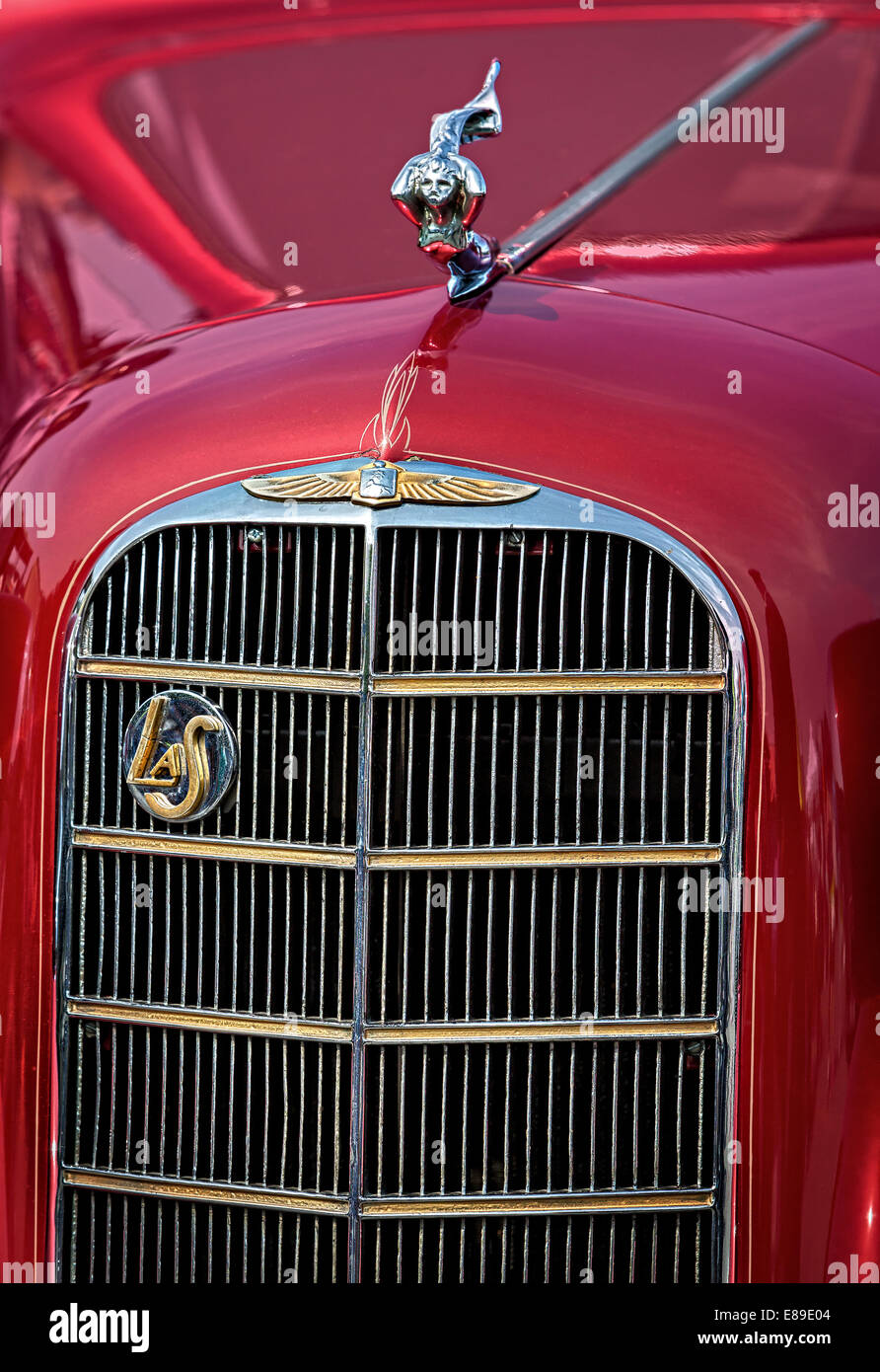 Detail view of hood, grill logo emblem and ornament of a General Motors LaSalle 1936 Classic Coupe - Stock Image