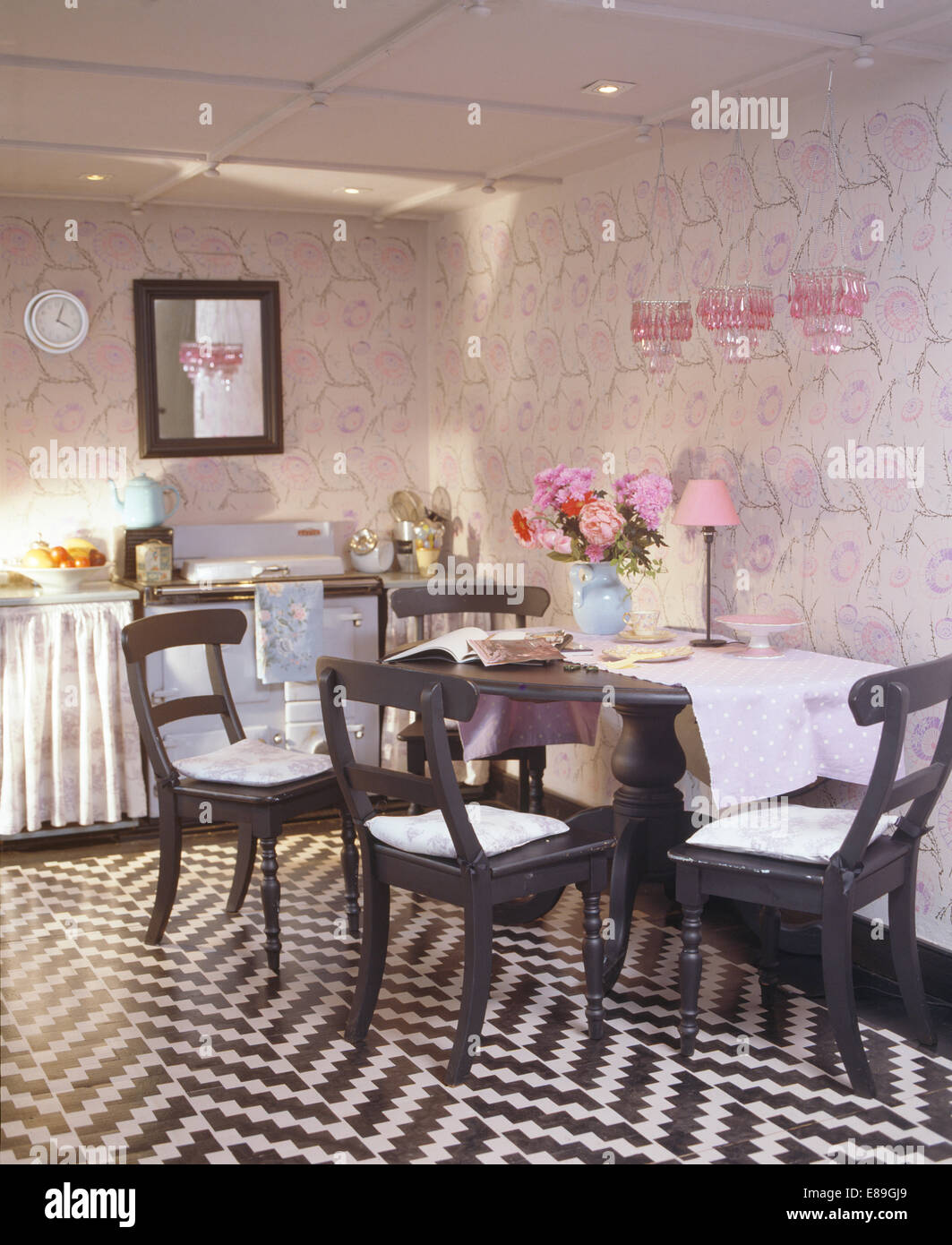 Marvelous Black White Zig Zag Stenciled Floor In Kitchen Dining Room Short Links Chair Design For Home Short Linksinfo
