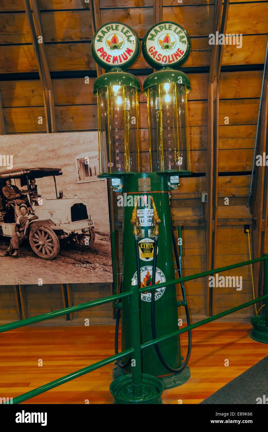 Elk203-6456v Canada, Alberta, Calgary, Heritage Park Historical Village, Gasoline Alley, vintage gas pump - Stock Image