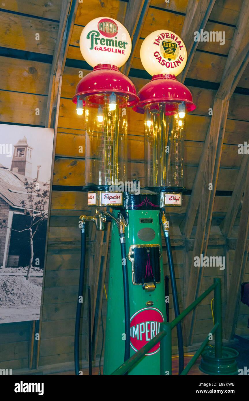 Elk203-6458v Canada, Alberta, Calgary, Heritage Park Historical Village, Gasoline Alley, vintage gas pump - Stock Image
