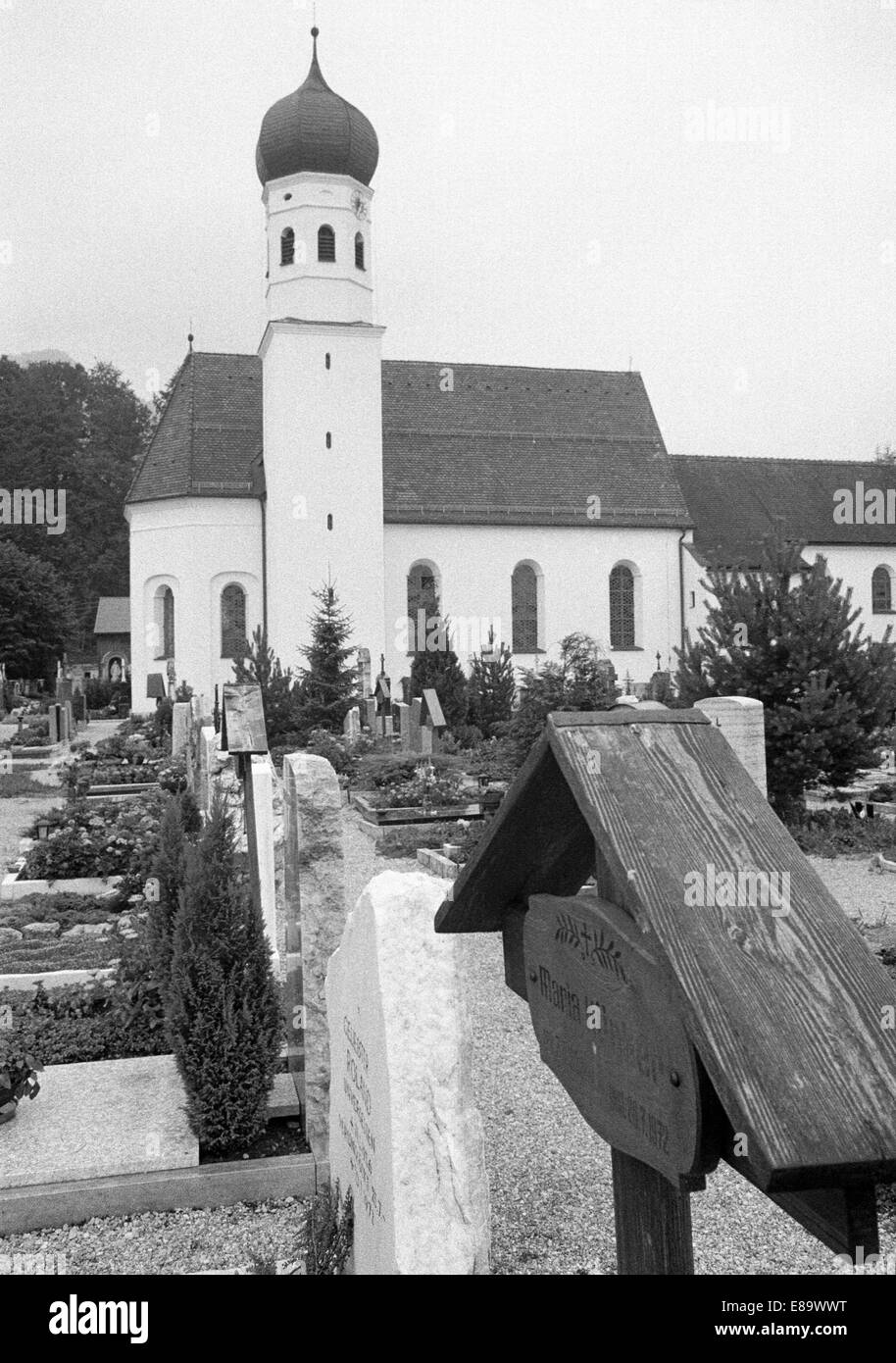 Seventies, D-Kochel am See, Kochelsee, Isarwinkel, Alps, Upper Bavaria, Bavaria, catholic church, churchyard, grave Stock Photo