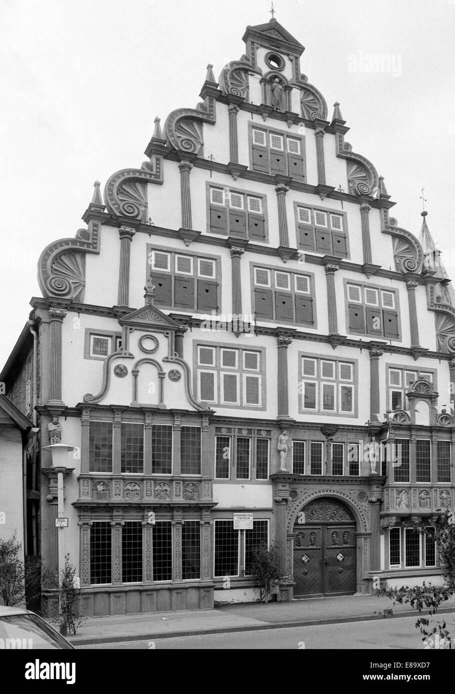 Achtziger Jahre, Hexenbuergermeisterhaus zur Erinnerung an die Hexenverfolgung im Mittelalter, Heimatmuseum, Weserrenaissance, - Stock Image