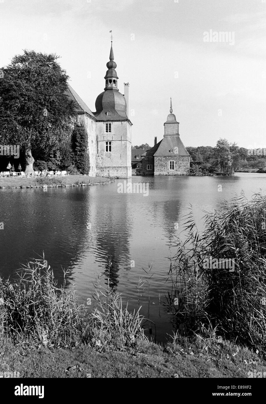 Achtziger Jahre, Barockschloss, Wasserschloss Lembeck in Dorsten-Lembeck, Naturpark Hohe Mark-Westmuensterland, - Stock Image