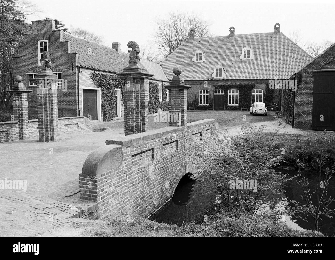 Achtziger Jahre, Osterburg mit Schlossbruecke, im Mittelalter Haeuptlingsburg und Haeuptlingssitz Ostfriesischer - Stock Image