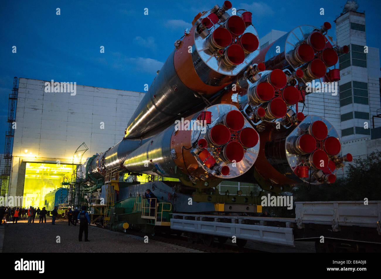 The Soyuz TMA-14M spacecraft is rolled out to the launch pad by train on Tuesday, Sept. 23, 2014 at the Baikonur - Stock Image