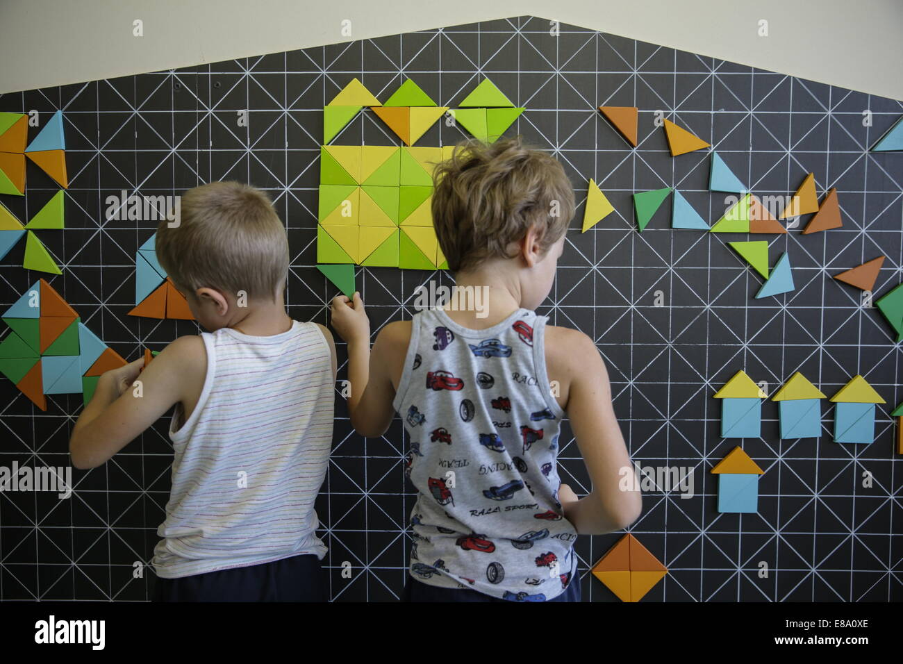 Moscow russia 3rd october 2014 children playing a do it yourself children playing a do it yourself educational kit in moscows morozov children hospital the educational kit is composed of a variety of 200 multicoloured solutioingenieria Gallery