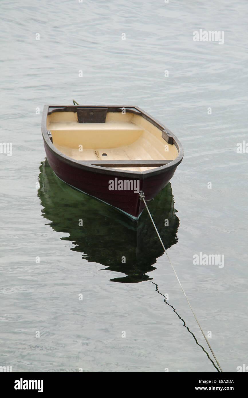 Fibreglass Dinghy Stock Photos & Fibreglass Dinghy Stock Images - Alamy