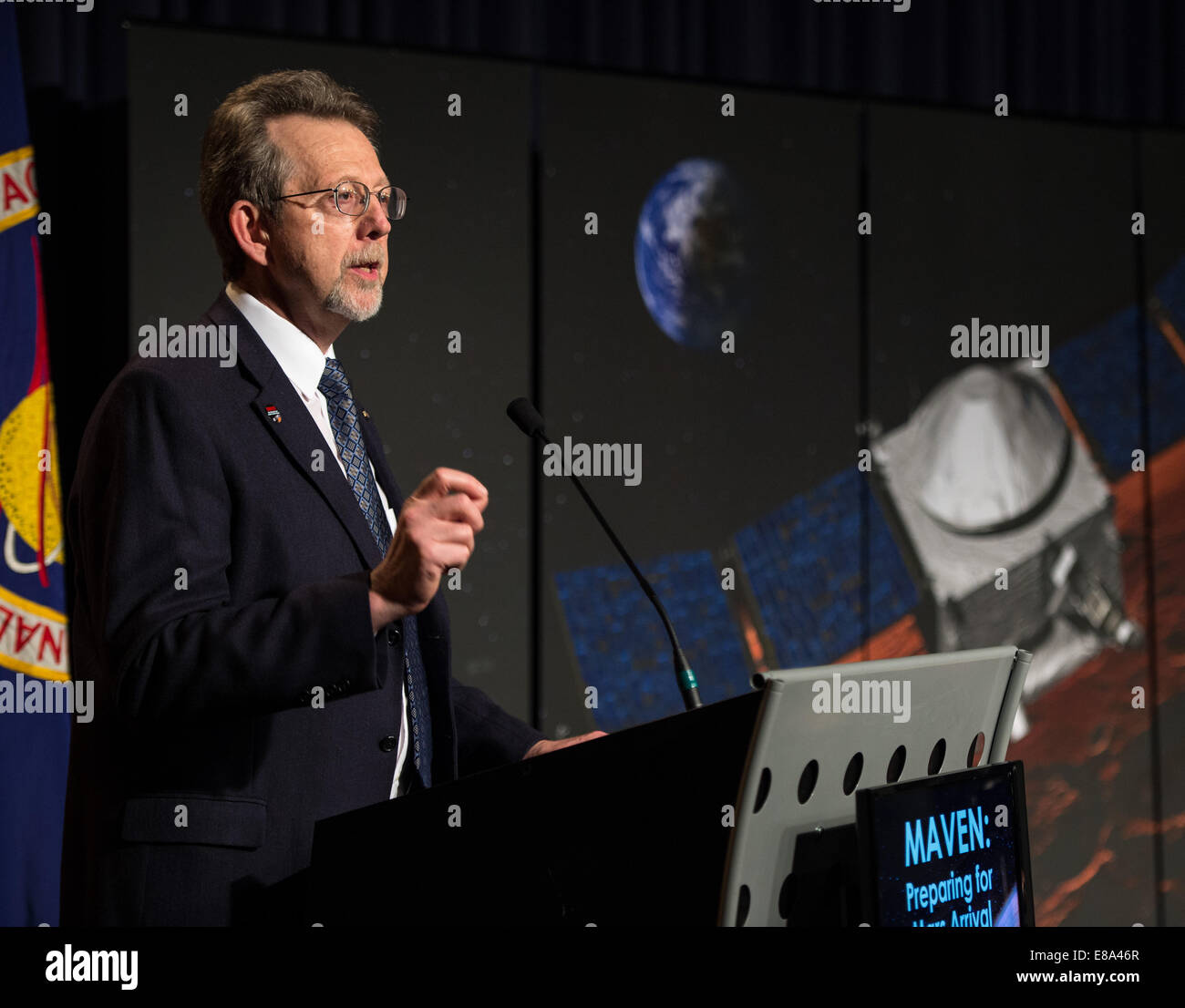 Dr. Jim Green, NASA's Planetary Science Division Director and Head of Mars Program, gives opening remarks at a media - Stock Image