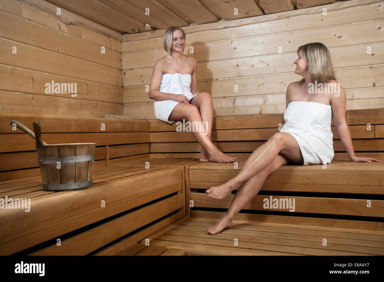 Русские студенты ебутся в бане, Студенты в сауне -видео. Смотреть Студенты 12 фотография