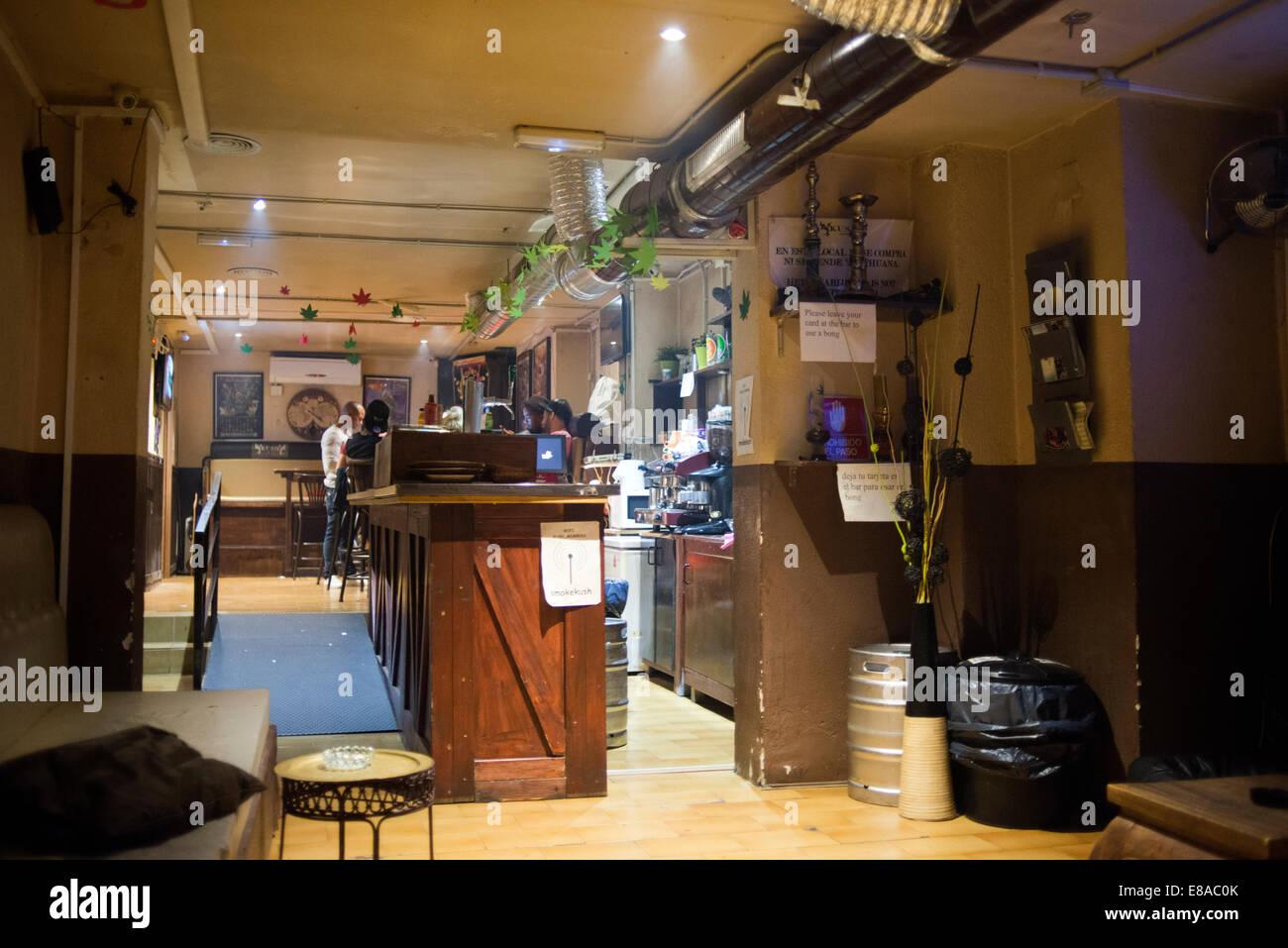 BARCELONA COFFEE SHOPS CANNABIS Marijuana In Barcelona.  Inside the Kush Cannabis association, specializing in tourists. - Stock Image