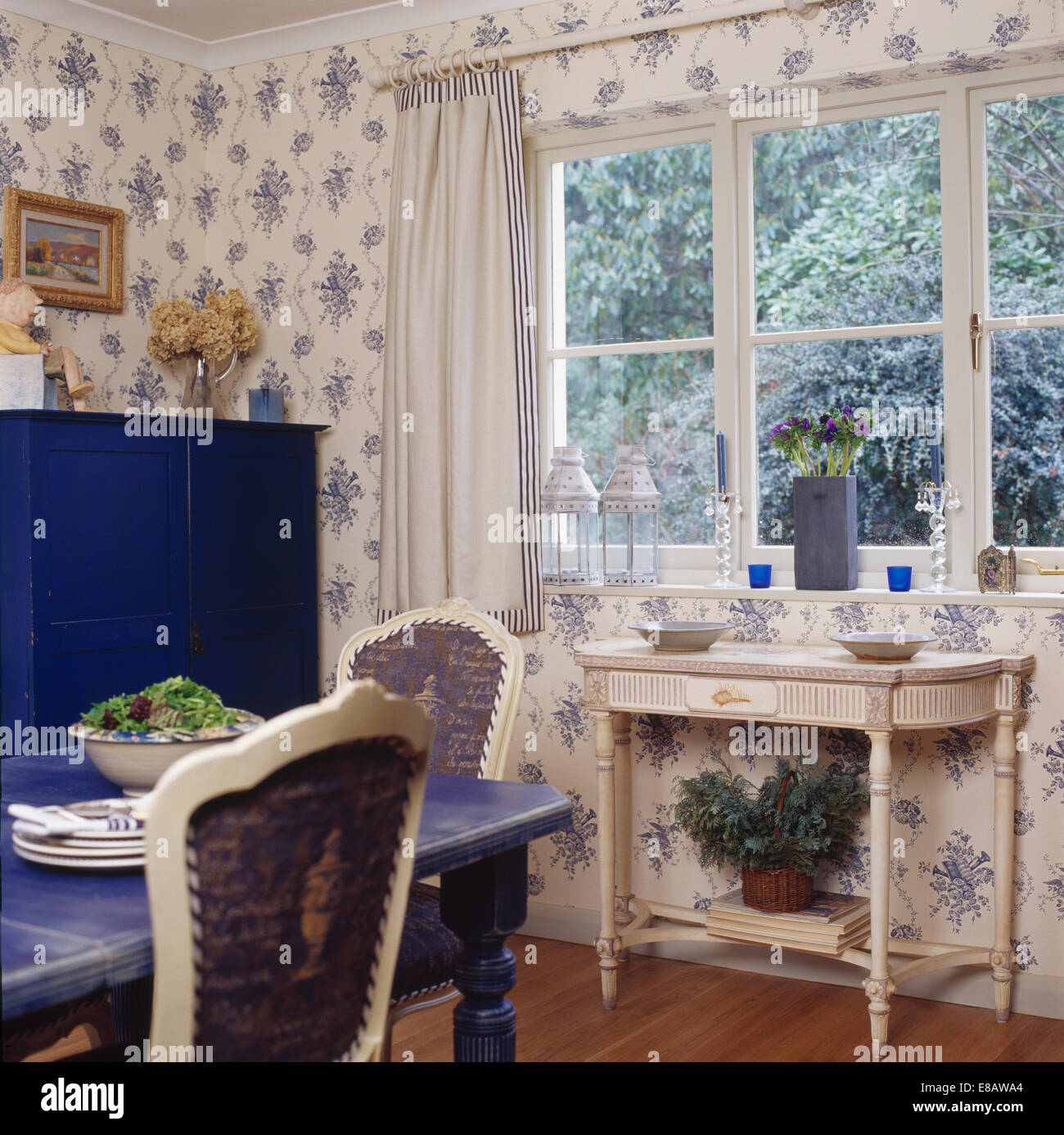 White Painted Console Table Below Window In Country Dining Room With  Blue+white Floral Wallpaper
