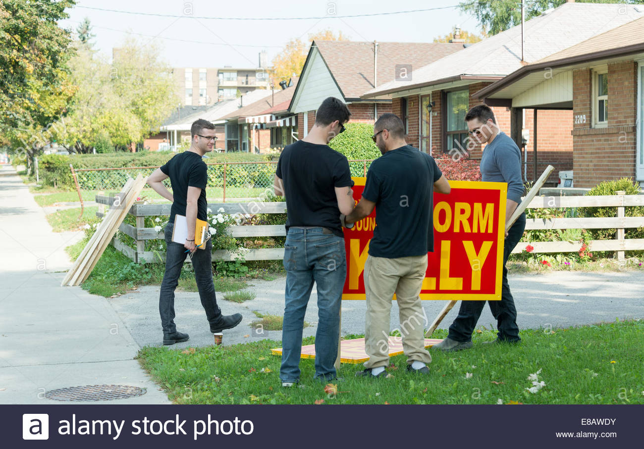 Toronto, Canada. 3rd October 2014. The Mayoral campaign for the city heats up with candidates really close to each - Stock Image