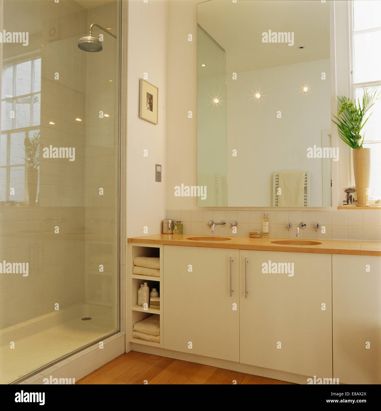 Marvelous Glass Door On Shower Cabinet In Modern Bathroom With Large Interior Design Ideas Tzicisoteloinfo
