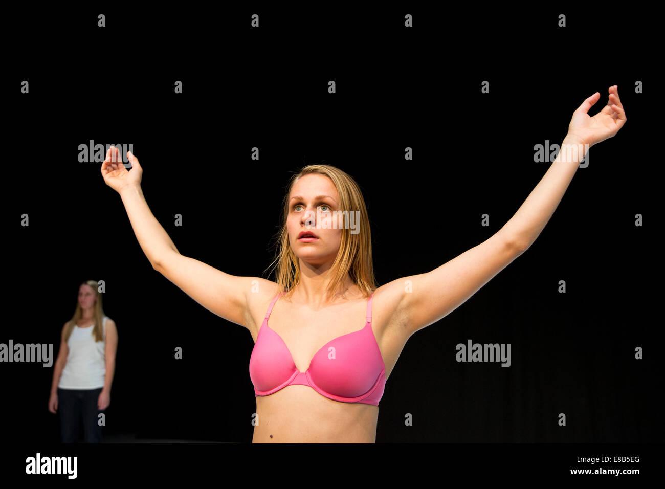 Bikini Chantal Monaghan nude (78 photos), Topless, Paparazzi, Feet, cameltoe 2017