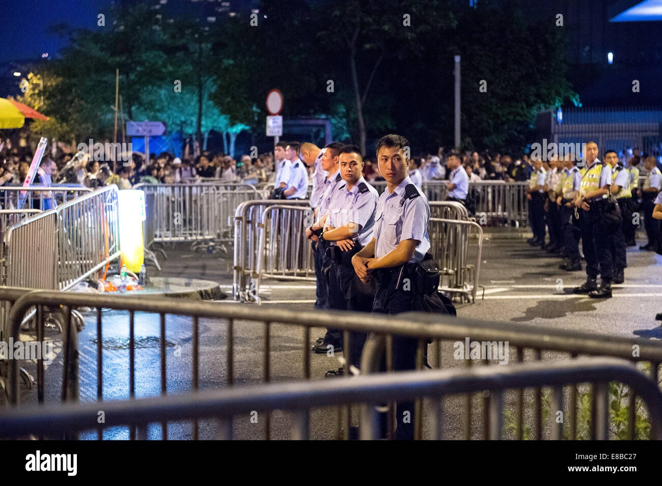 Hong Kong. 3rd October, 2014. Police outside the Chief Executives office.Pro-democracy student protesters during Stock Photo
