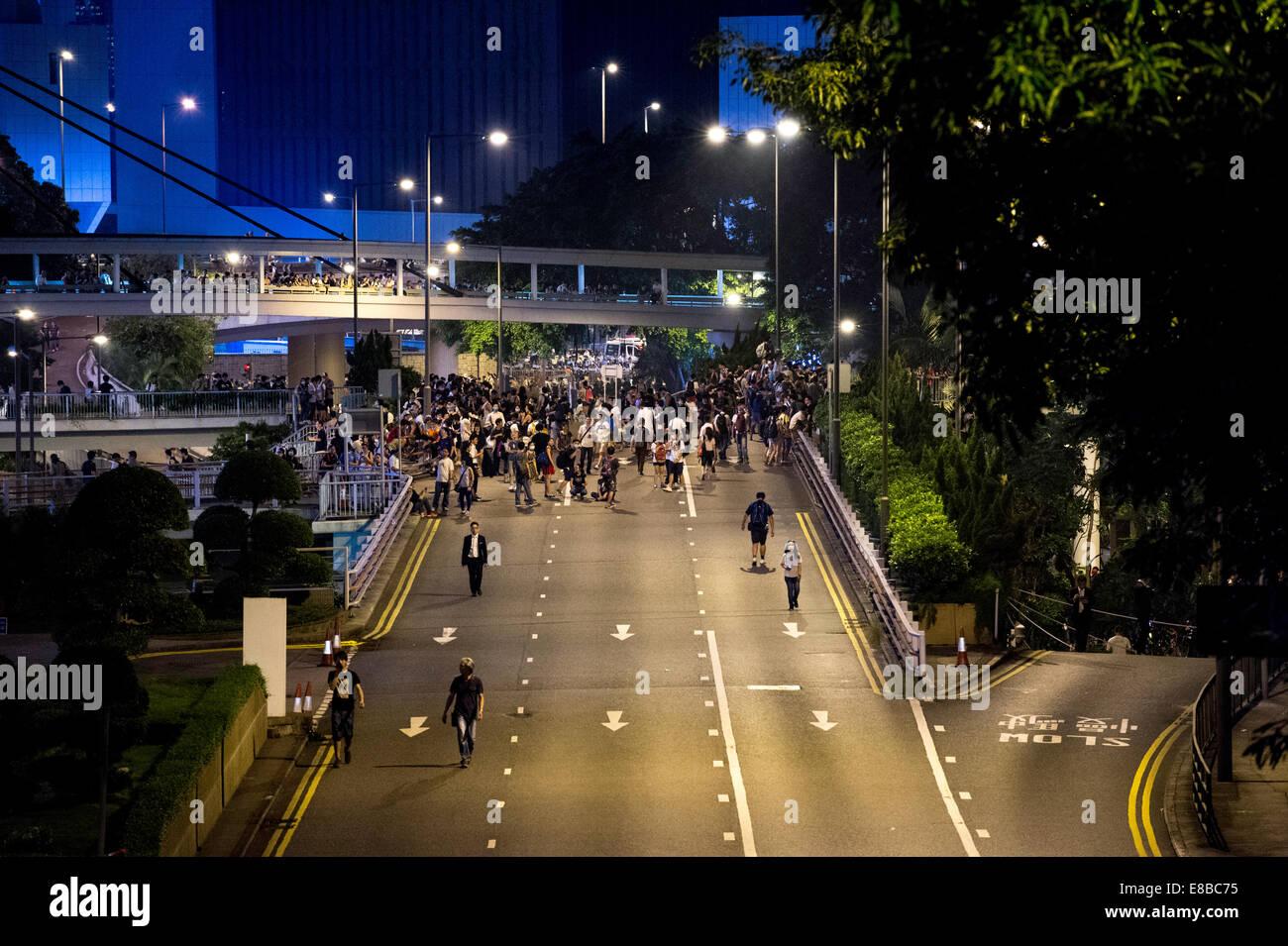 Pro-democracy  protest spread through Hong Kong. By Hong Kong Park Cotton Tree Drive Riot police congregate. - Stock Image