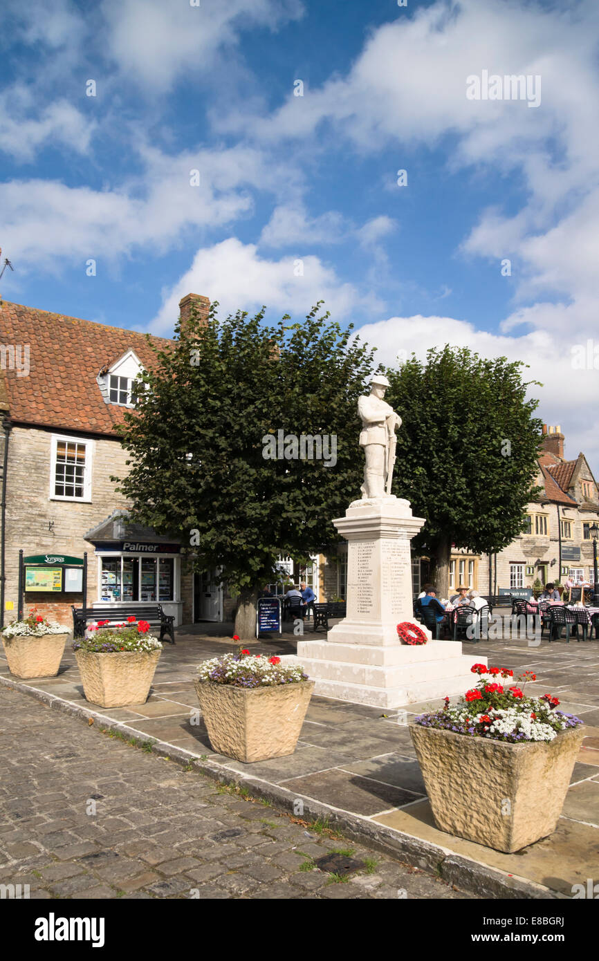 Somerton a small town in somerset England UK The War Memorial - Stock Image
