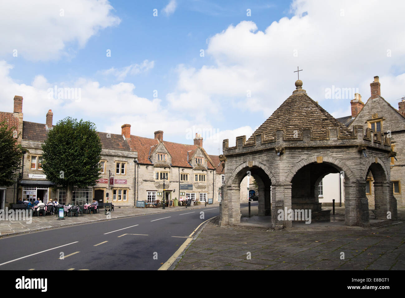 Somerton a small town in somerset England UK the square - Stock Image