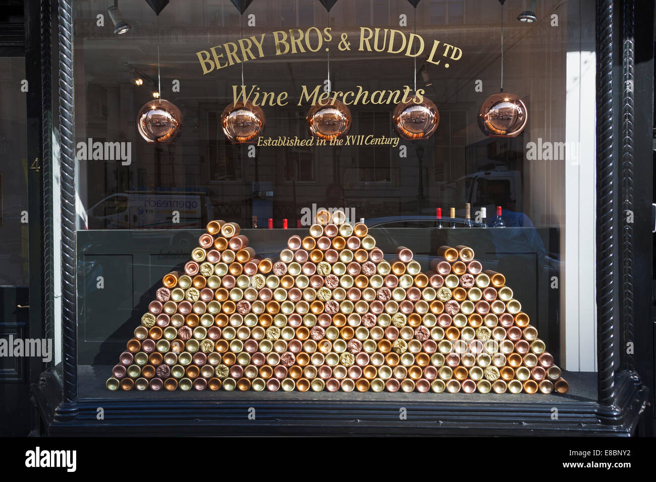 London St James S Street Window Display At Berry Bros