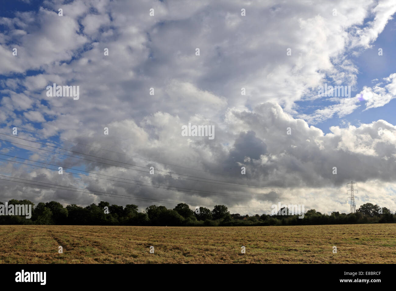 Tolworth, Surrey, England. 4th October 2014. As forecast a weather front passed across much of England today, bringing - Stock Image