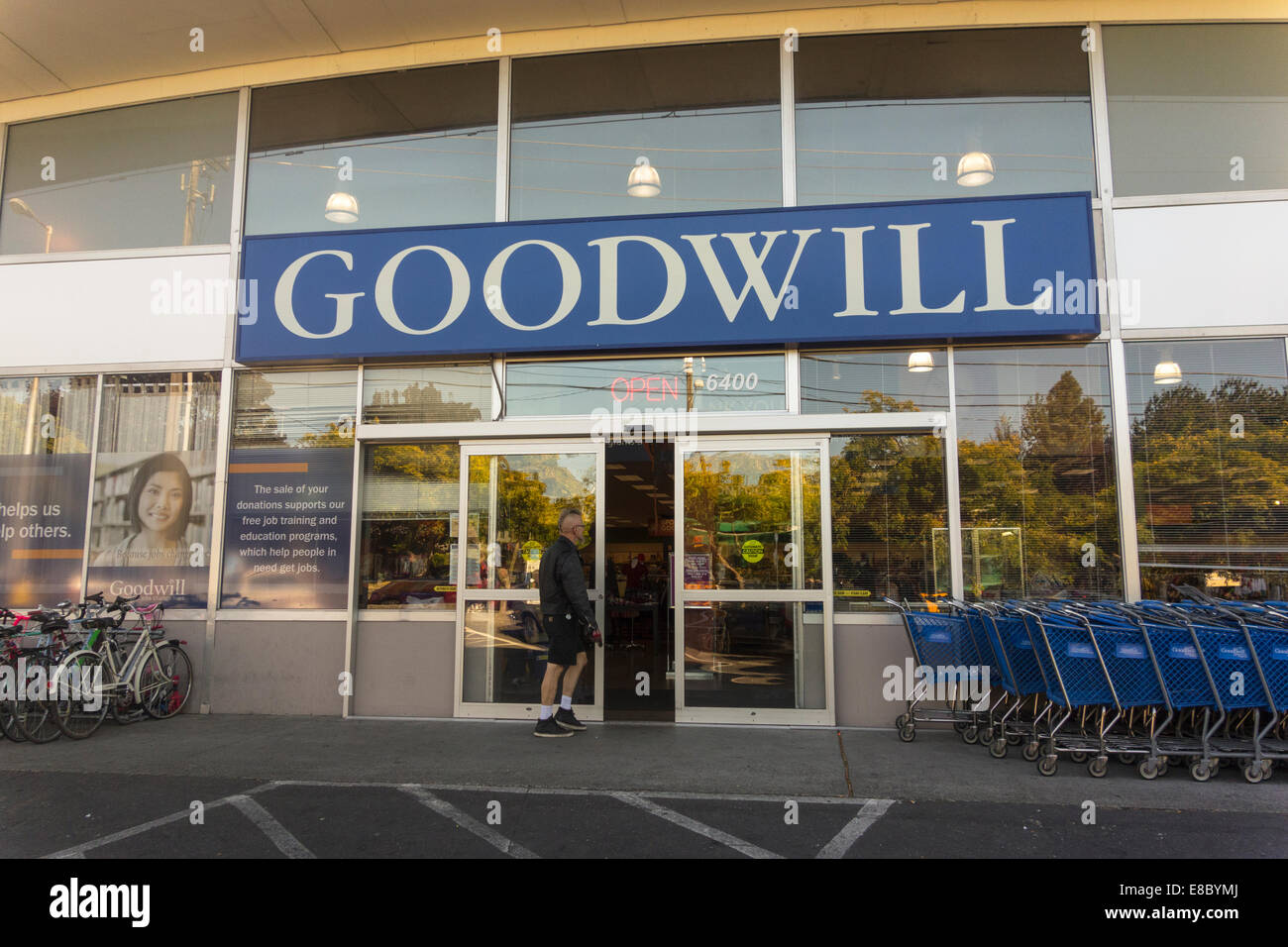 exterior of Goodwill store, Seattle, USA - Stock Image