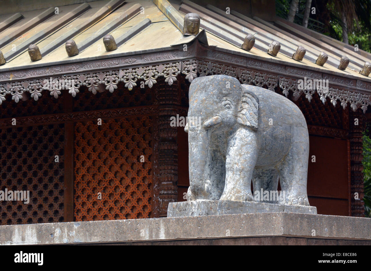 Nepal Animal Carving High Resolution Stock Photography And Images Alamy
