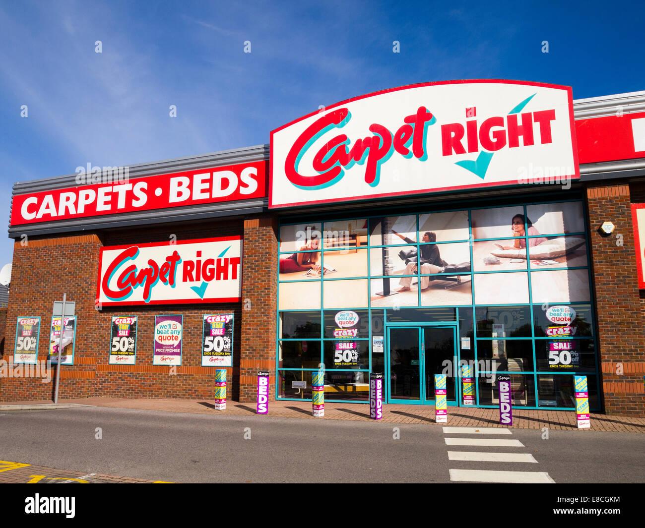 Carpet Right, Slough shopping park, England, UK - Stock Image