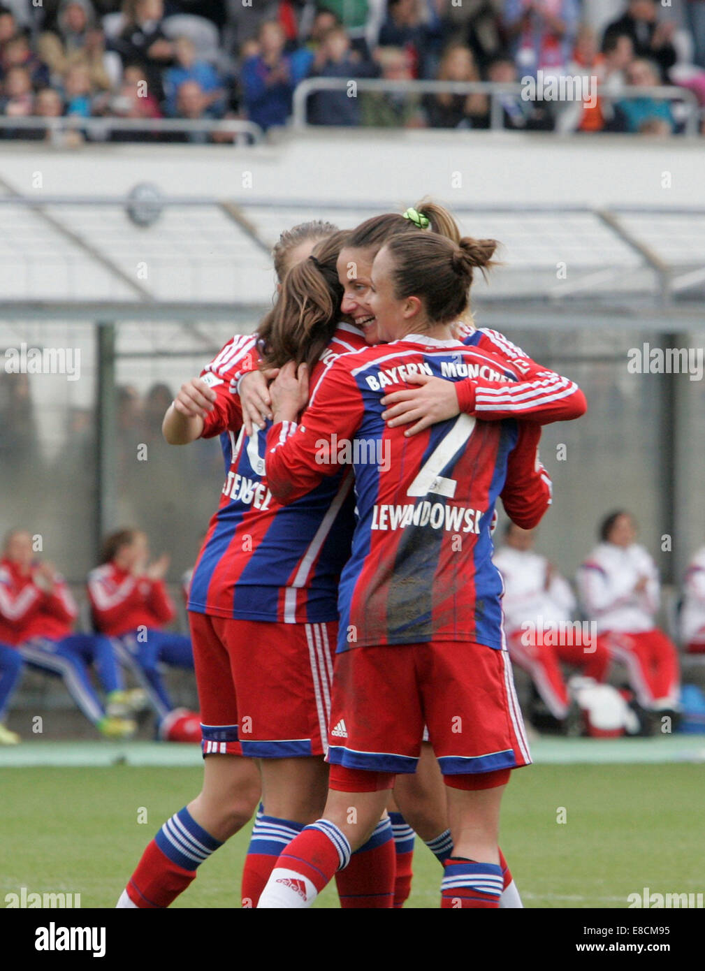 Muenchen, Bavaria, Germany. 5th Oct, 2014. joy of the Munich player after the 6:0.German woman soccer league, FC - Stock Image