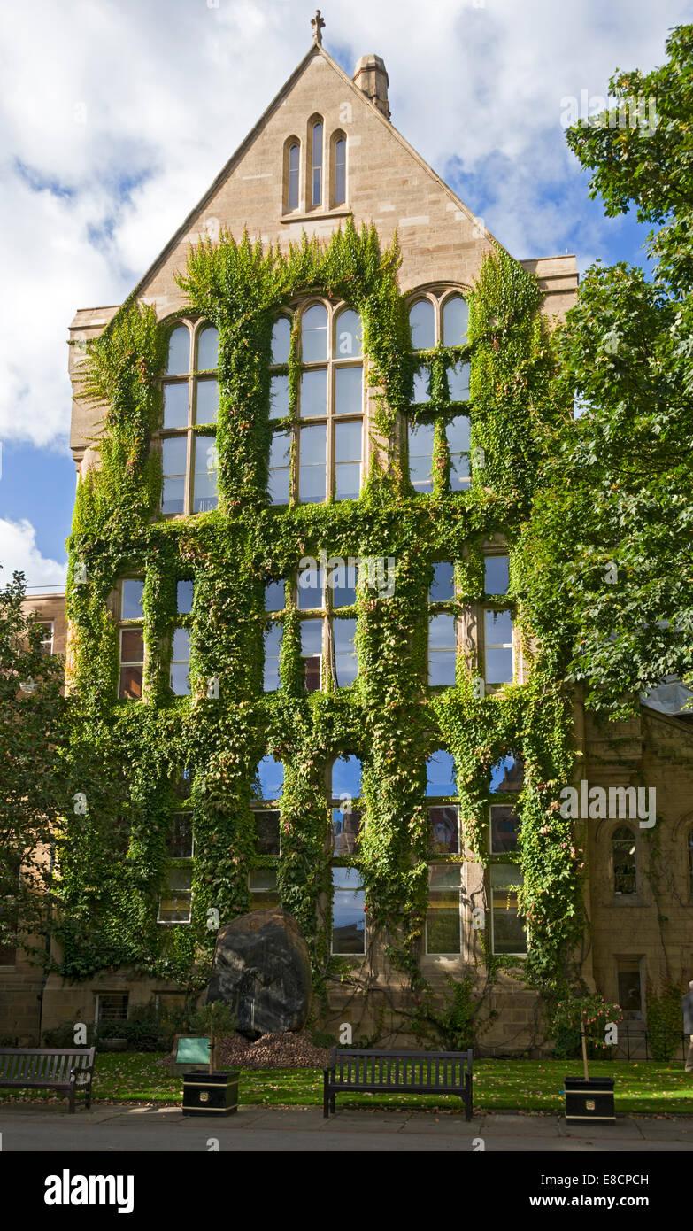 The Beyer Laboratories Building, Old Quadrangle, Manchester University, Manchester, England, UK. - Stock Image
