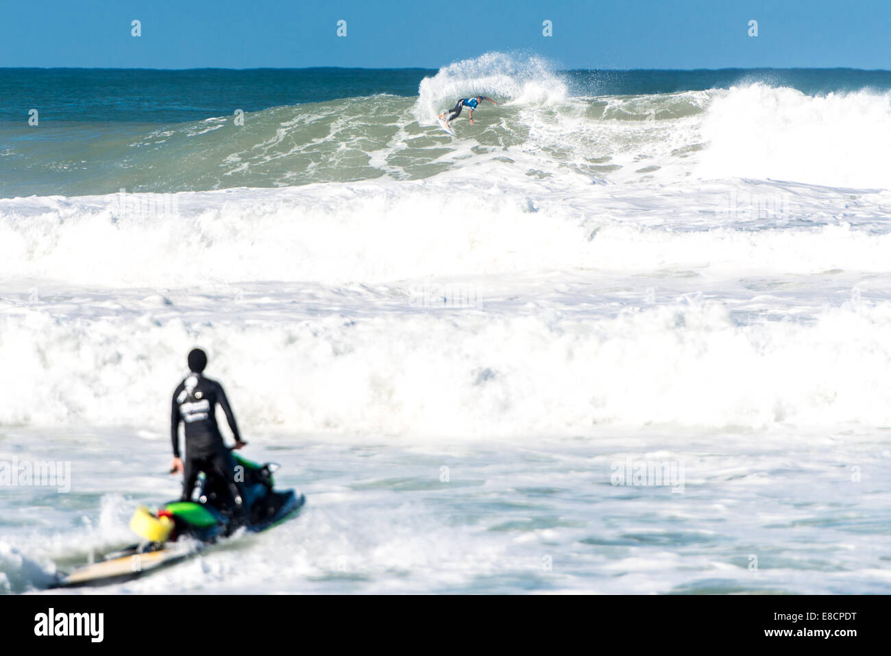 Seignosse, France. 5th Oct, 2014. Jadson Andre of Brazil in action against John John Florence, of Hawaii, who emerged - Stock Image