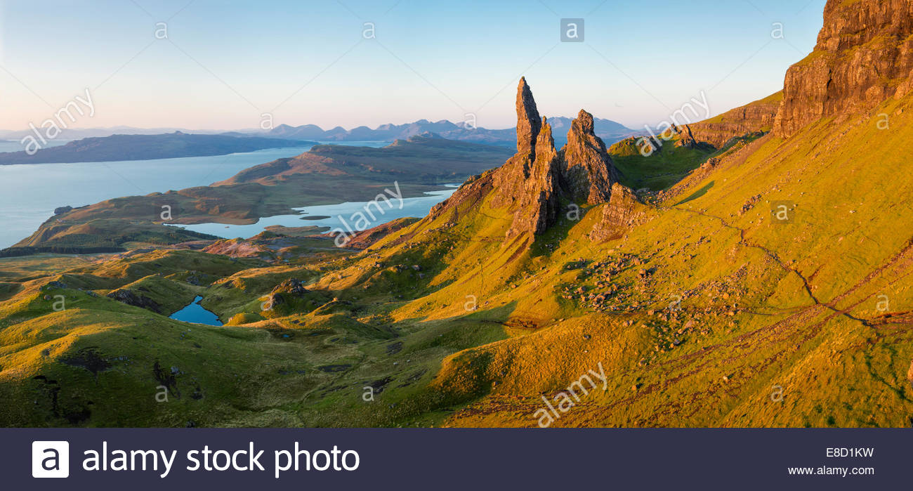 Dawn at the Old Man of Storr, Trotternish Peninsula, Isle of Skye, Scotland - Stock Image