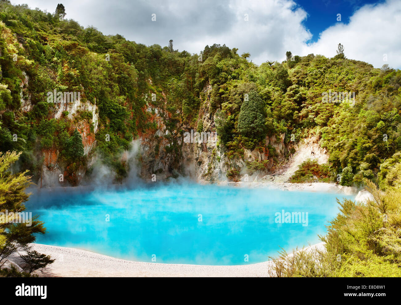 Inferno Crater Lake in Waimangu volcanic valley, New Zealand - Stock Image