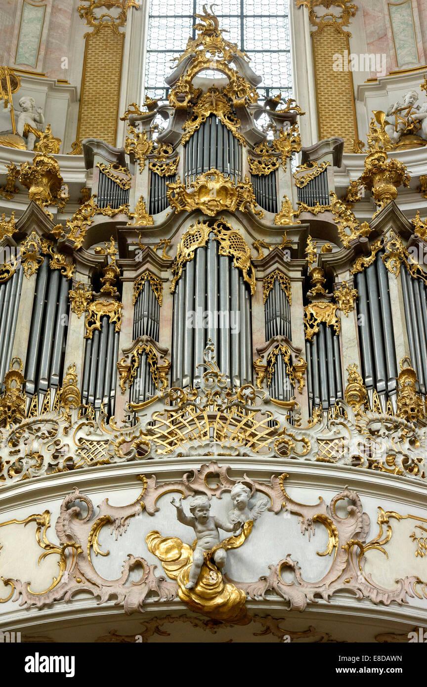 Organ with stucco decoration by Johann Georg Üblher and Franz Xaver Schmuzer, baroque Church of the Assumption - Stock Image