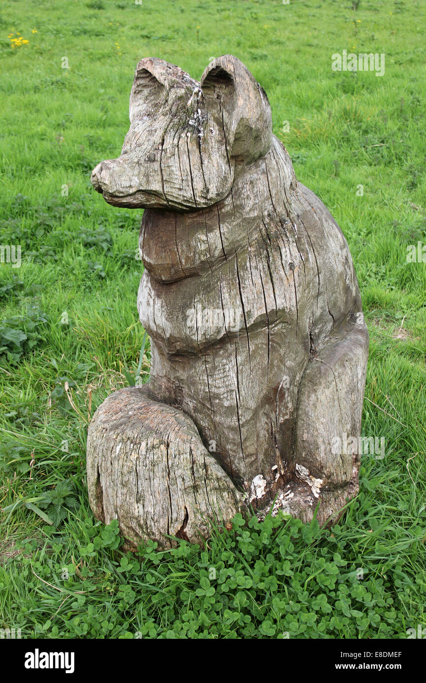 Fox Wood Carving at Wigg Island Nature Reserve, Runcorn, UK - Stock Image