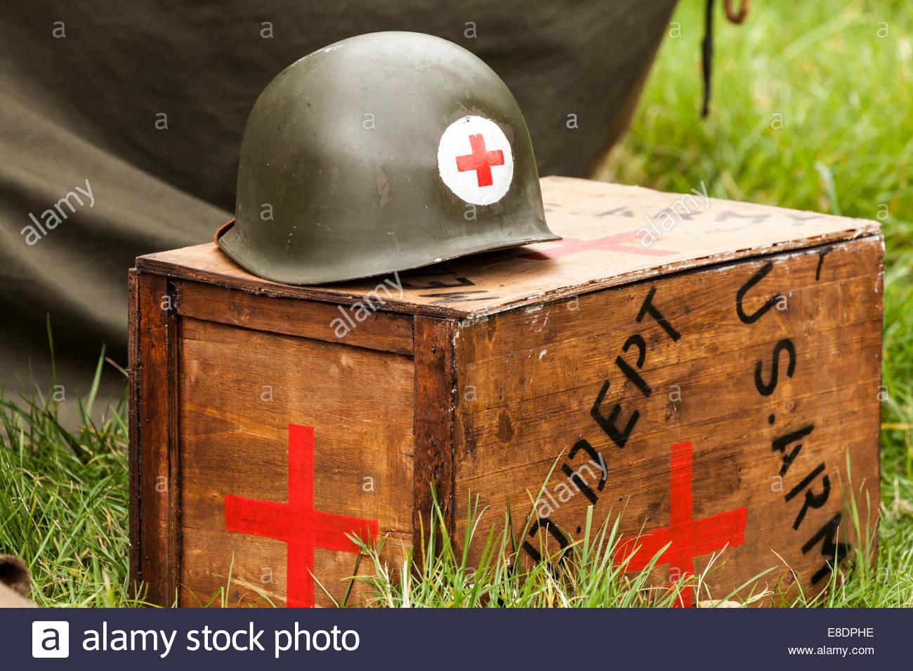 WW2 - US Army Medic Helmet and equipment box - Stock Image