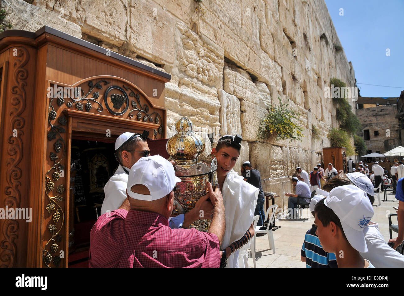 Bar Mitzvah ceremony at the wailing wall, Old City, Jerusalem, Israel - Stock Image
