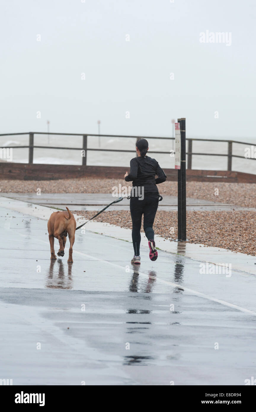 Bognor Regis, West Sussex, UK. 6th October, 2014.  After a prolonged fine and dry spell of weather along the south - Stock Image