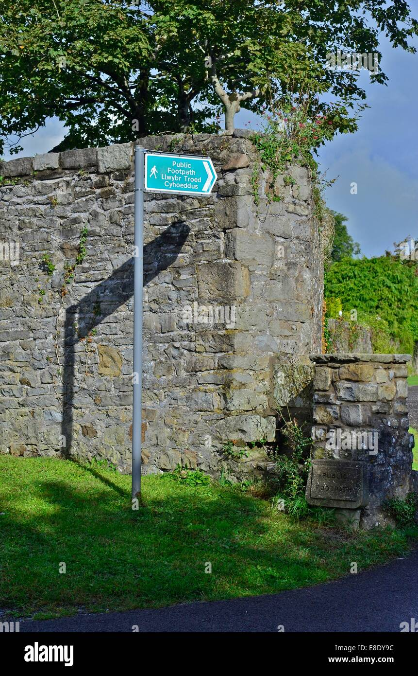 Public Footpath Sign in the village of Laleston, near Bridgend, South Wales, UK - Stock Image