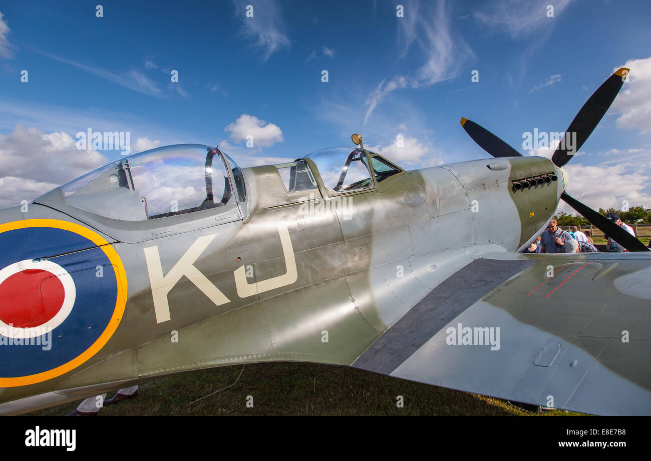 Two seater Spitfire Tr.9 SM520 (G-ILDA). Based at Goodwood, she wears the markings 'SM520 / KJ-I'. - Stock Image