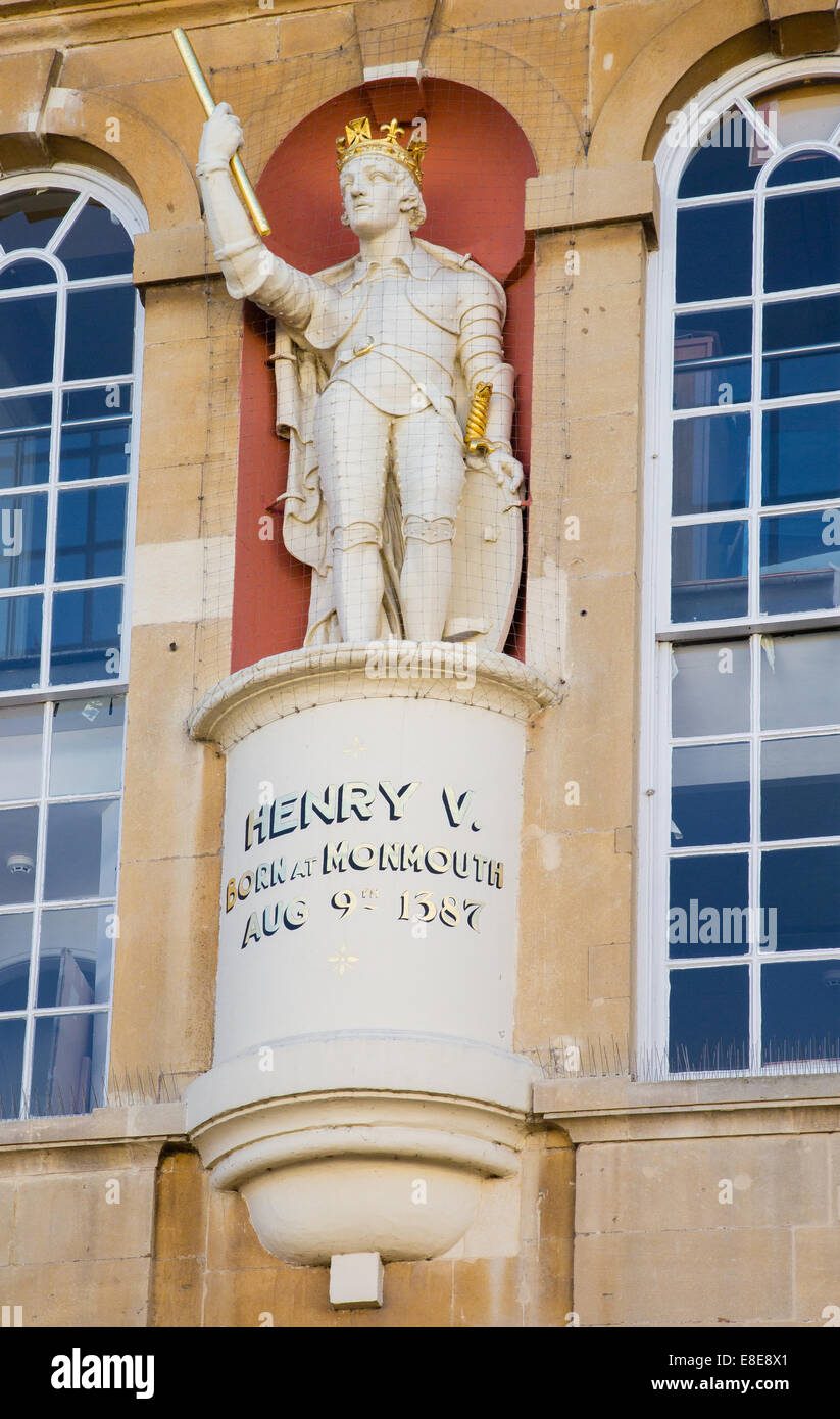Gilded statue of Henry the Fifth - King of England born in Monmouth on the face of Monmouth town hall Wales - Stock Image