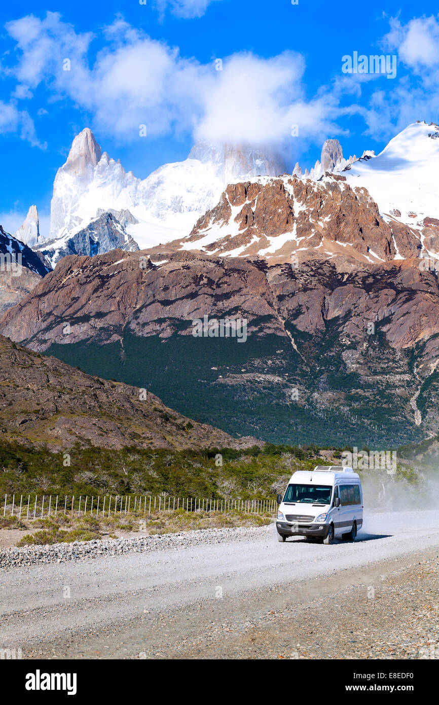 Touristic car on road in Fitz Roy Mountain Range, Los Glaciares National Park, Argentina. - Stock Image